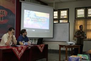 foto pengantar diskusi